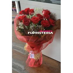 Ramo de rosas rojas